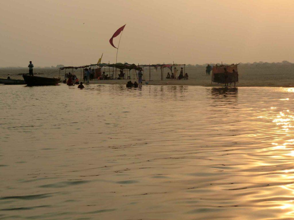 ガンジス川の対岸