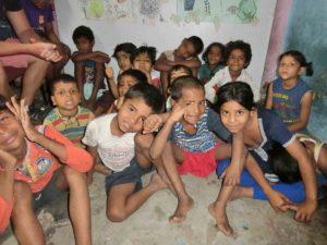スラム小学校の子供たち