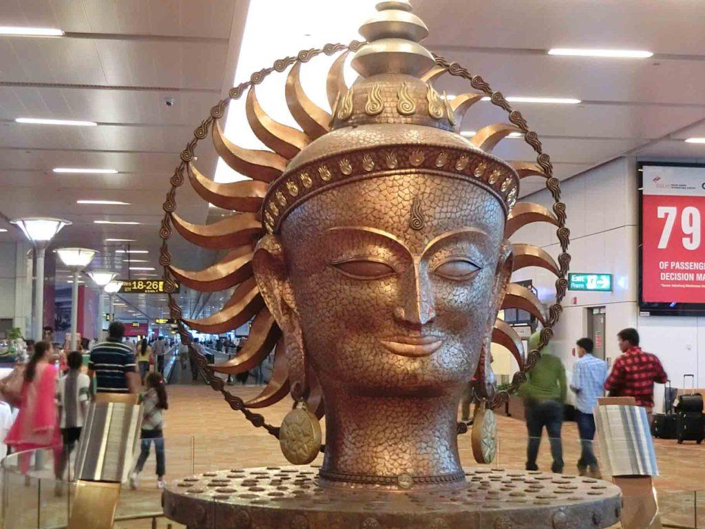 ガンジー空港のオブジェ