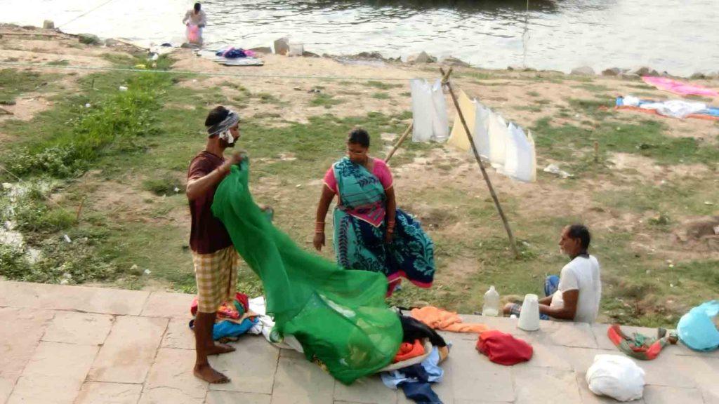 ガンジス川で洗濯