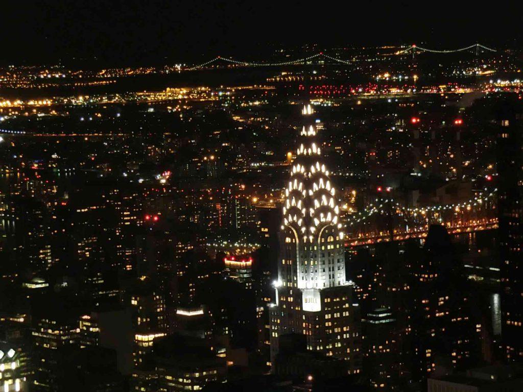 NY夜景のクライスラービル