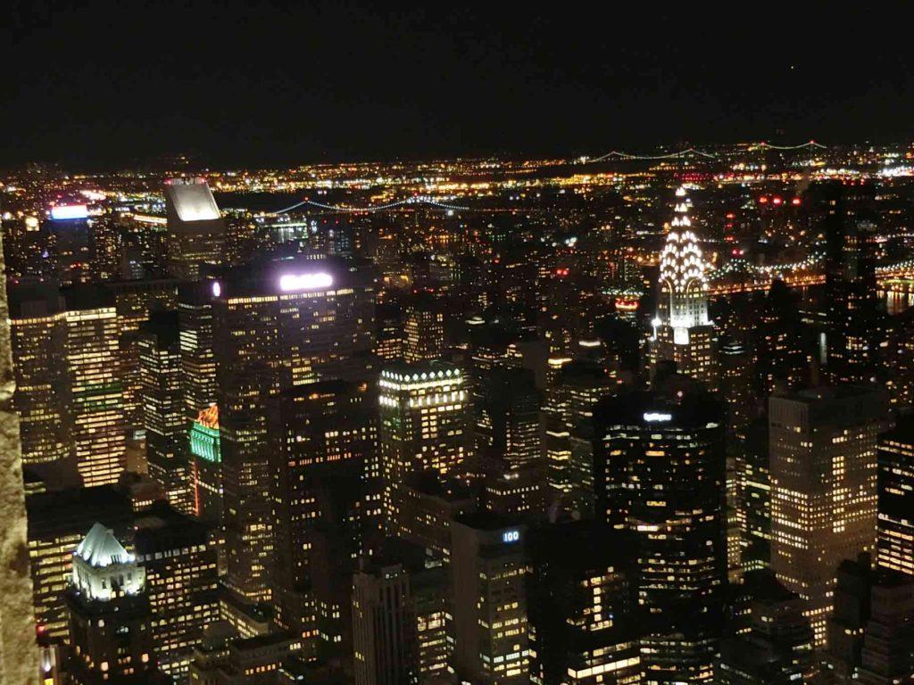 NY夜景のメットライフビル